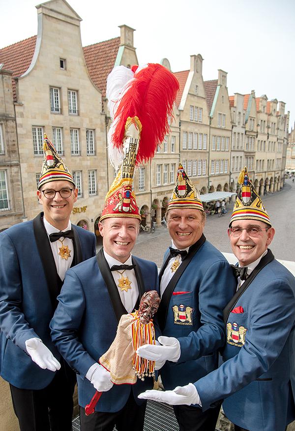 Prinz Thorsten II. mit seinen Adjutanten (v.l.: Christian Lange, Thorsten Brendel, Frank Hoffmann, Andreas Koch)